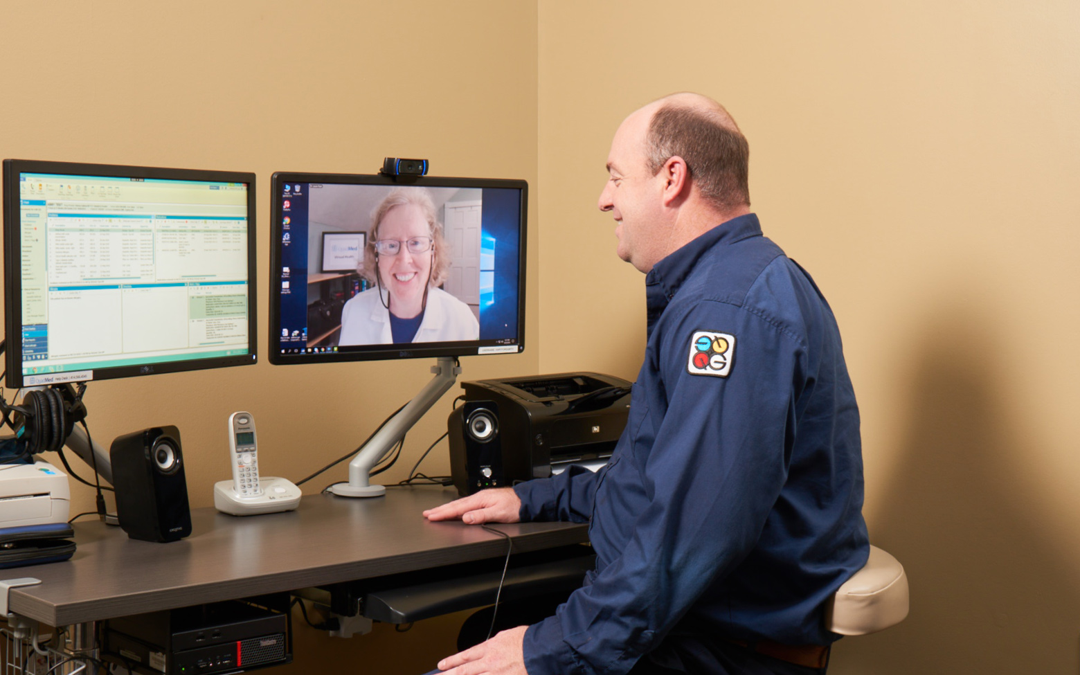 Patient having a virtual health visit with a doctor